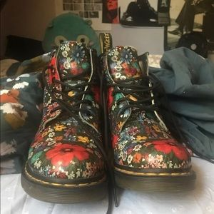 Shoes - floral doc marten boots